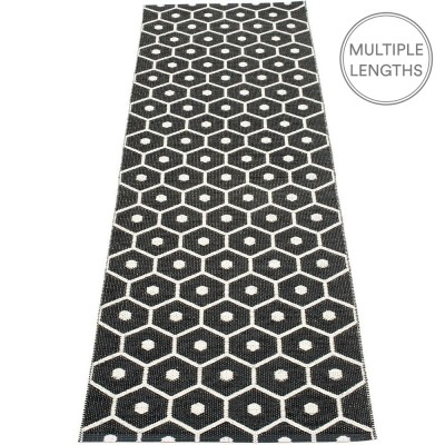 Pappelina Honey Black & Vanilla Runner - 70 x 225 cm