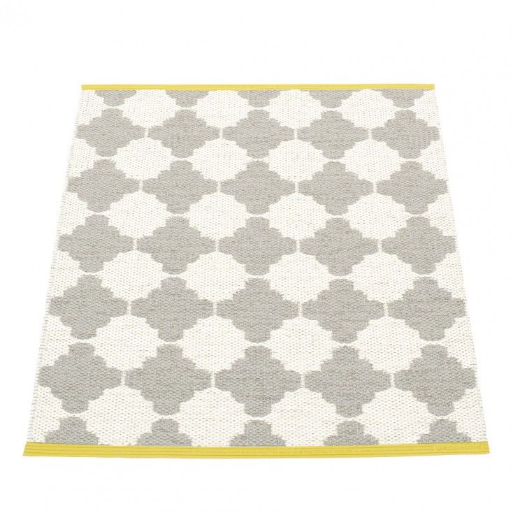 Pappelina Marre Warm Grey & Vanilla Mat - 70 x 90 cm