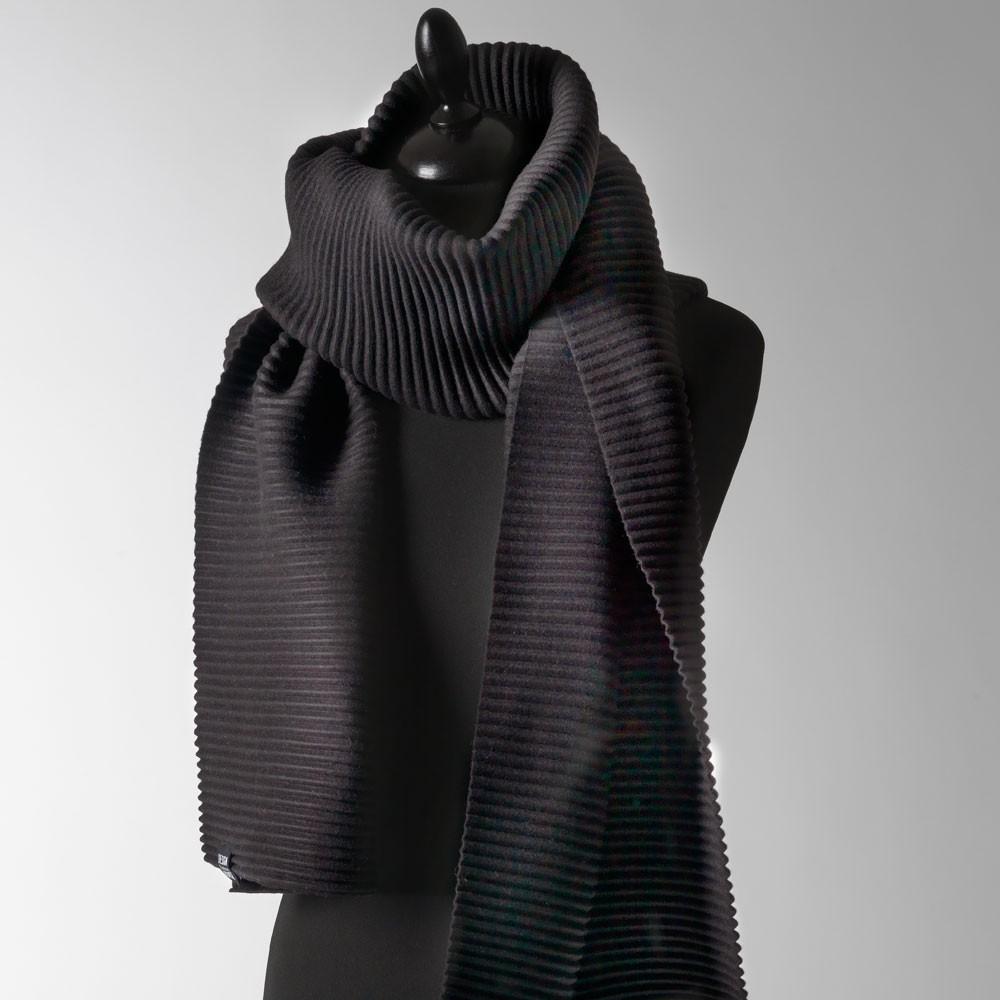 اروع أشكال للأسكارف باللون الاسود 2021 , Scarves in black design-house-stockho