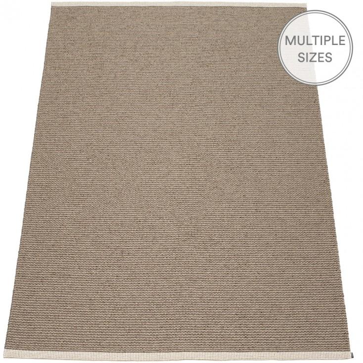 Pappelina Mono Dark Mud : Mud Large Rug