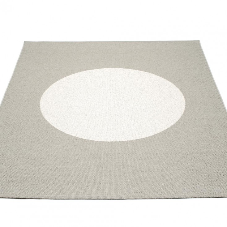 Pappelina Vera One Large Rug - Warm Grey