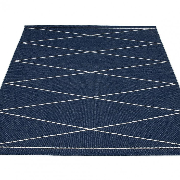Pappelina Max Large Rug - Dark Blue
