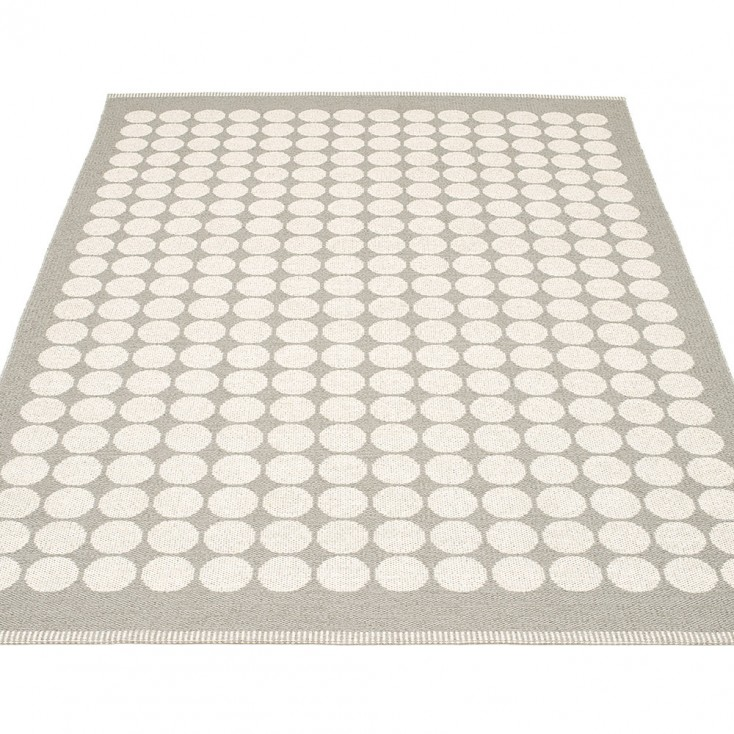Pappelina Fia Large Rug - Warm Grey