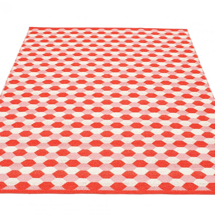 Pappelina Dana Large Rug - Coral Red