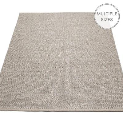 Pappelina Svea Large Rug - Mud Metallic