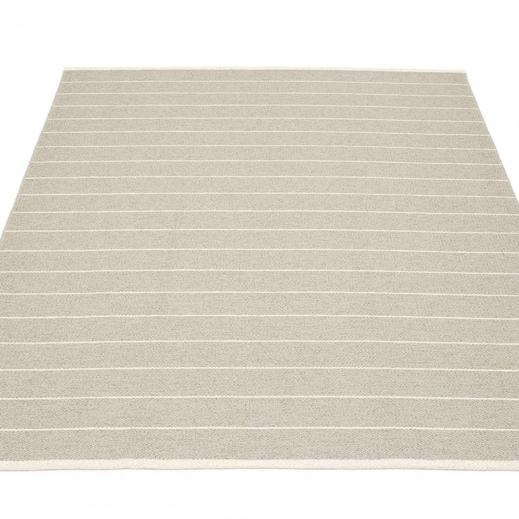 Pappelina Carl Large Rug - Linen