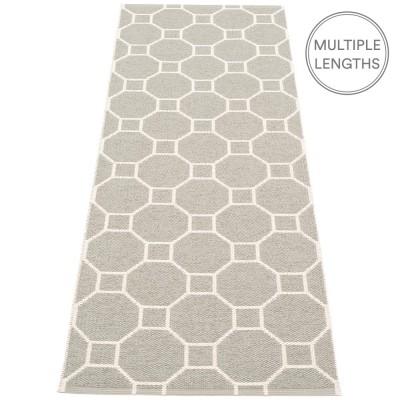 Pappelina Rakel Runner - Warm Grey 70 x 225 cm