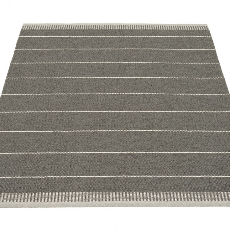 Pappelina Belle Large Rug - Shadow