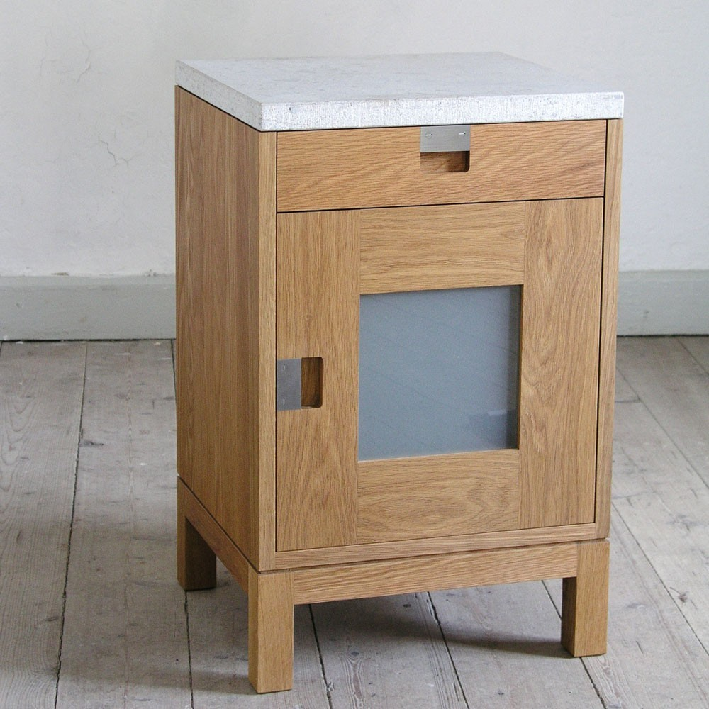 Gad Karls 246 Oak Bedside Cabinet Hus Amp Hem