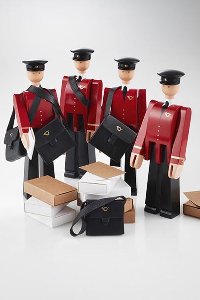 Kay Bojesen Postman